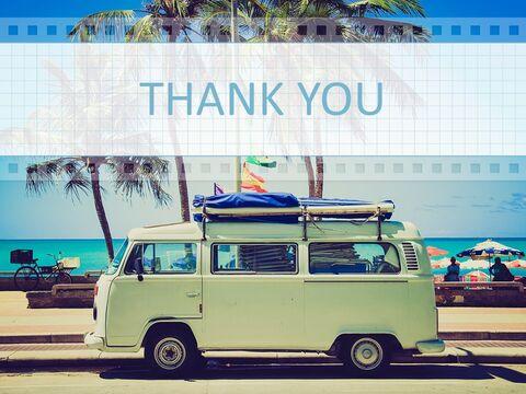 Google 슬라이드 템플릿 무료 다운로드 - 해변에서 캠핑 자동차_06