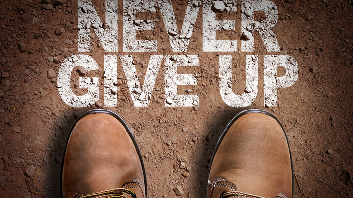 Never give up_01