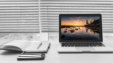 파워포인트 템플릿-사무실 노트북 모형_04